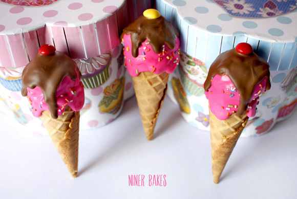 delicious ice cream cone cake pops - by niner bakes