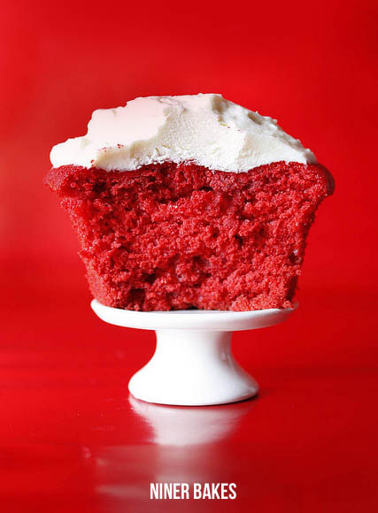 red velvet cake cupcakes - recipe adapted from pioneer woman