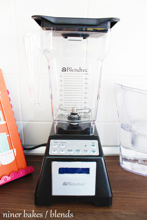 Blendtec Blender / Mixer - niner bakes - Peanut Butter Smoothie Recipe Rezept