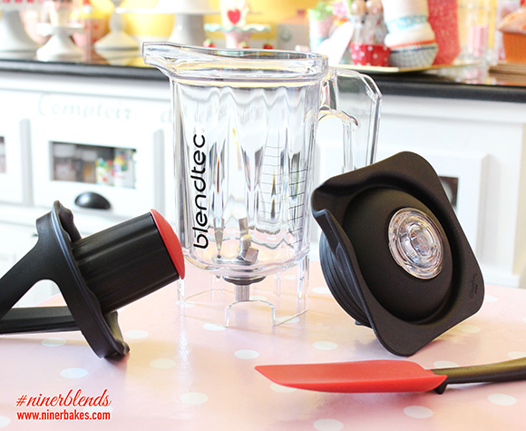 World's Best Blender - Blendtec Designer 725 Review - niner blends - Bester Mixer - Twister Jar - Spectacula Spatula